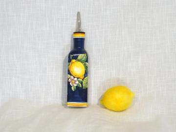 Öl-Flasche mit Ausgiesser