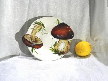 Schüssel Relief Pilze braun
